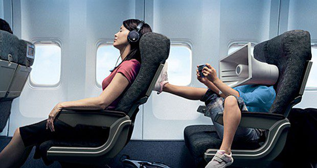 noise cancelling headphones for traveling