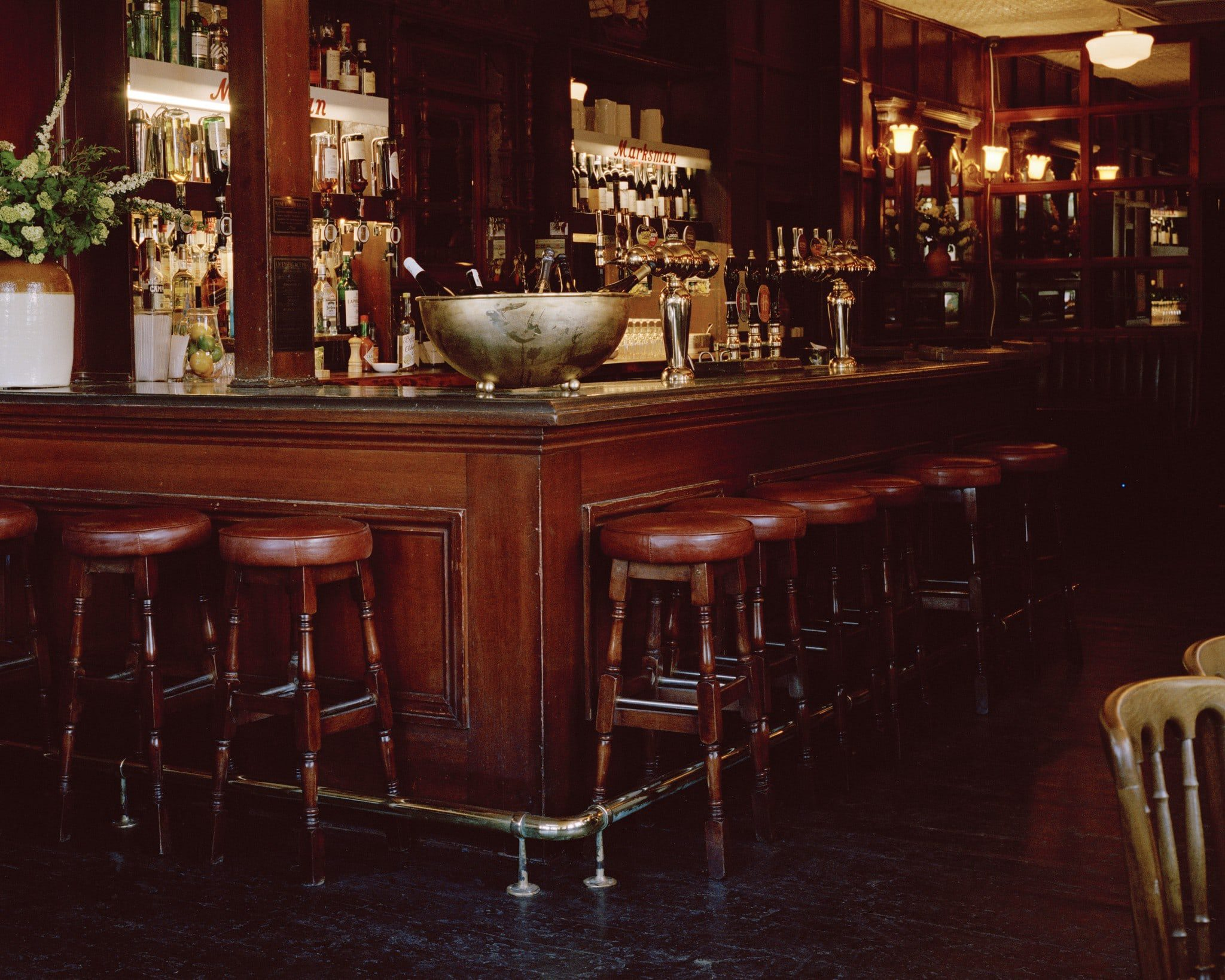 the-bar-of-the-marksman-pub-london-winner-of-michelin-pub-of-the-year-2017