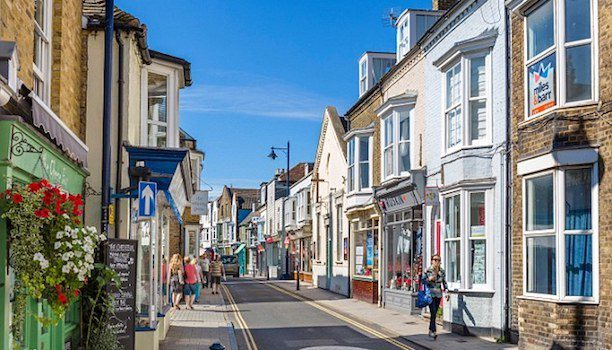 KARRYON-Excite-Holidays-Whitstable-Kent-Whitstable-High-Street