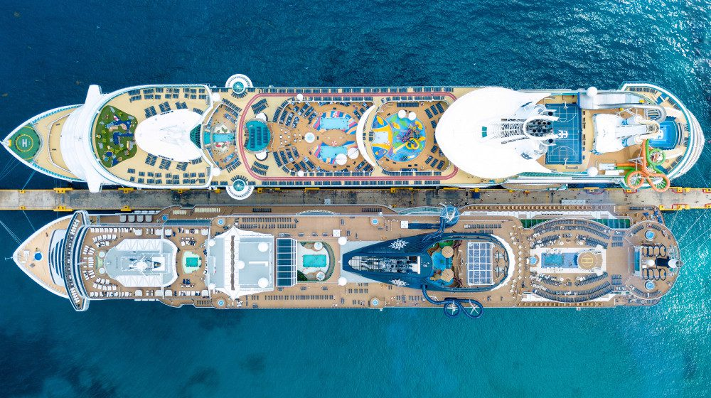 karryon-cruise-ships-side-by-side